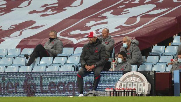 Liverpool's manager Jurgen Klopp during the English Premier League soccer match between Aston Villa and Liverpool at the Villa Park stadium in Birmingham, England, Sunday, Oct. 4, 2020. (Cath Ivill/Pool via AP)