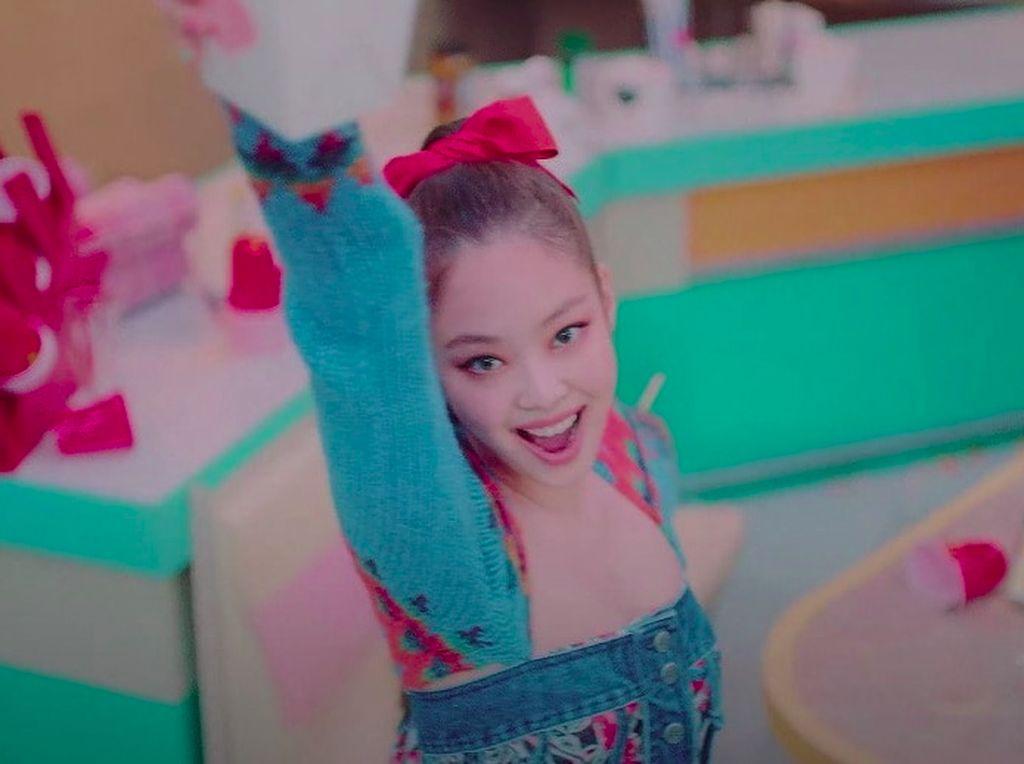 Jennie BLACKPINK Jadi Suster di MV Lovesick Girls, YG Dikritik Pekerja Medis