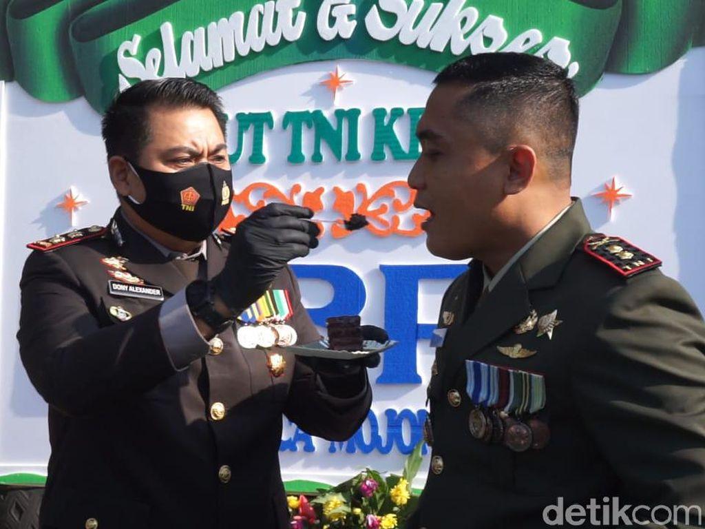 Pagi-pagi, TNI Mojokerto Dapat Kejutan Ulang Tahun