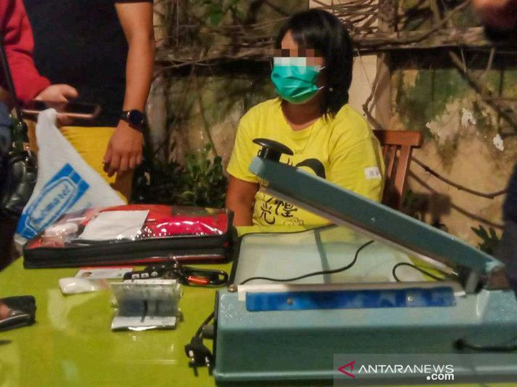 Emak-emak di NTB Ditangkap Kasus Sabu, Hartanya Bikin Polisi Curiga