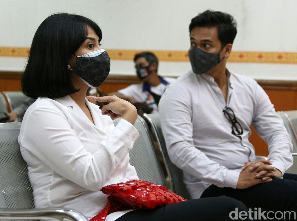 Kondisi Anak dan Suami Usai Ditinggal Vanessa Angel Mendekam di Lapas