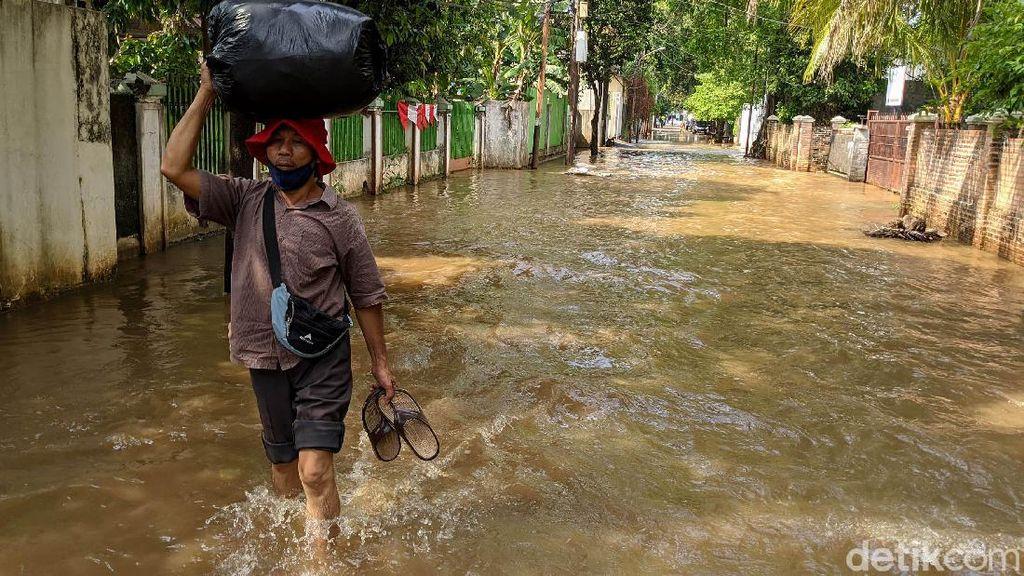 Foto: Kawasan Petogogan Masih Terendam Banjir