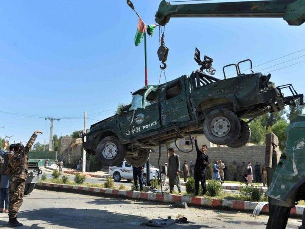 Bom Bunuh Diri Targetkan Gubernur Afghanistan, 8 Orang Tewas
