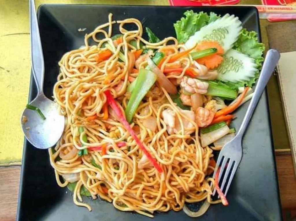 Penasaran Sama Kuliner Kamboja? Ini Tempatnya