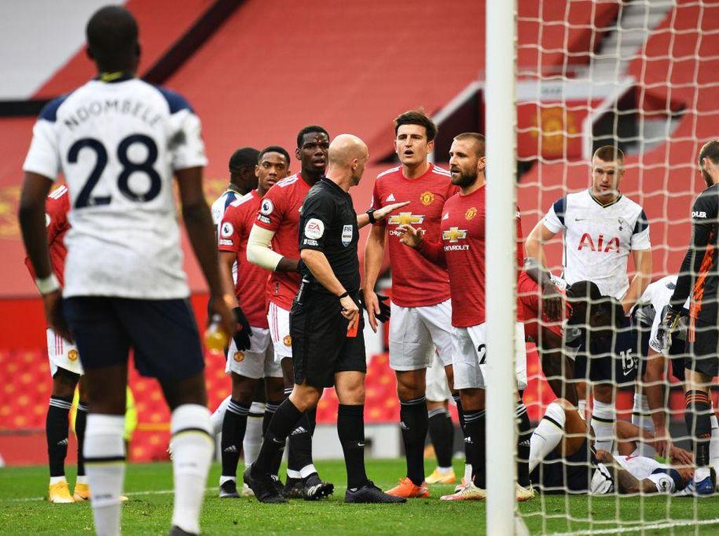 Pemain MU Ramai-ramai Minta Maaf Usai Dipermalukan Tottenham