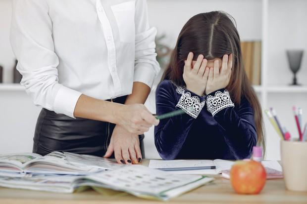tuntutan untuk menjadi yang terbaik, sukses, sempurna justru dapat menghambat anak mandiri