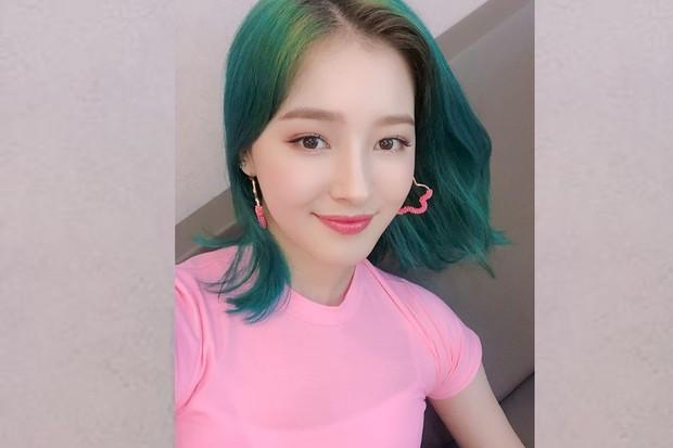 rambut hijau nancy momoland di era Baam