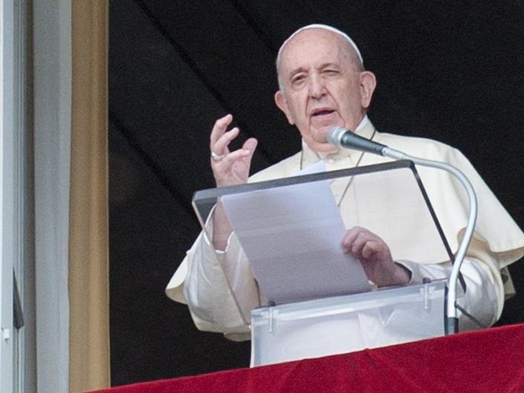 Paus Fransiskus Dukung Penyatuan Sipil Sejenis Bikin Riuh Twitter
