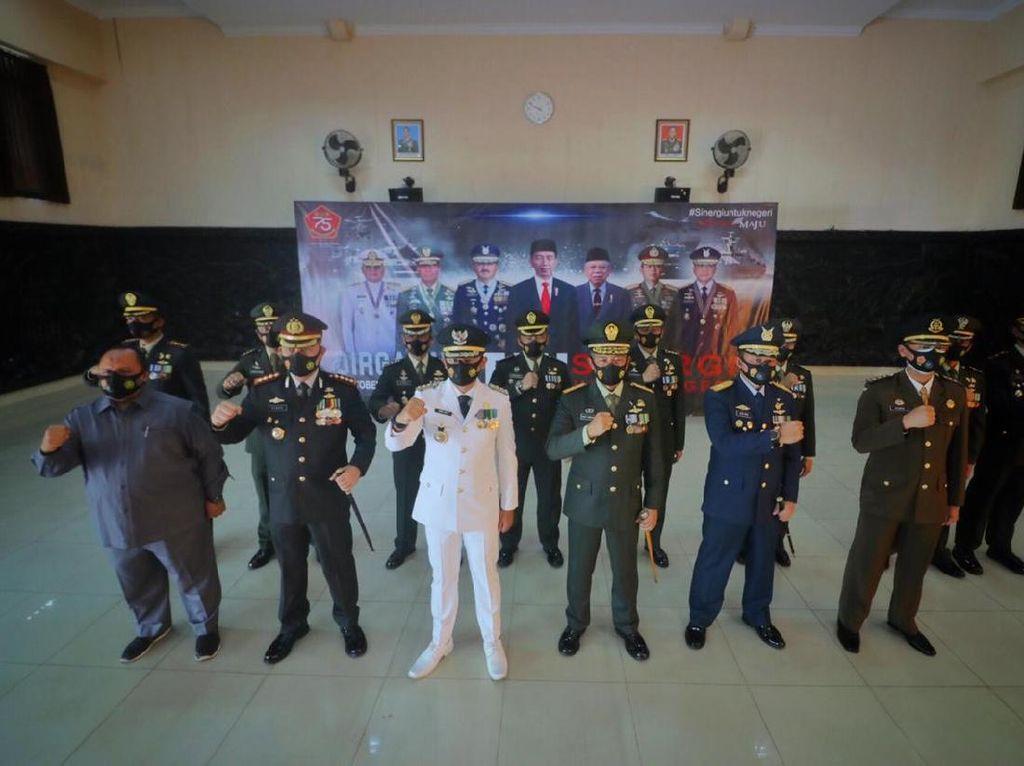 HUT TNI ke-75, Bima Arya Minta TNI Bantu Perkuat Protokol COVID-19
