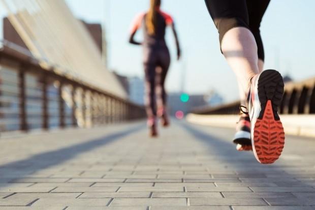 Sebuah studi University of California menemukan bahwa untuk pria, olahraga teratur secara signifikan meningkatkan staminanya untuk dapat lebih sering dan lama melakukan aktivitas intim.