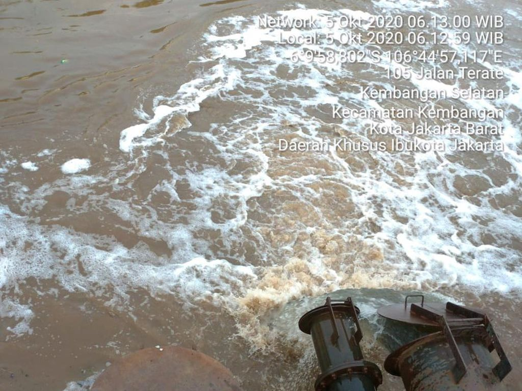 Ada Genangan Air di Kembangan Utara Jakbar, 3 Pompa Dikerahkan