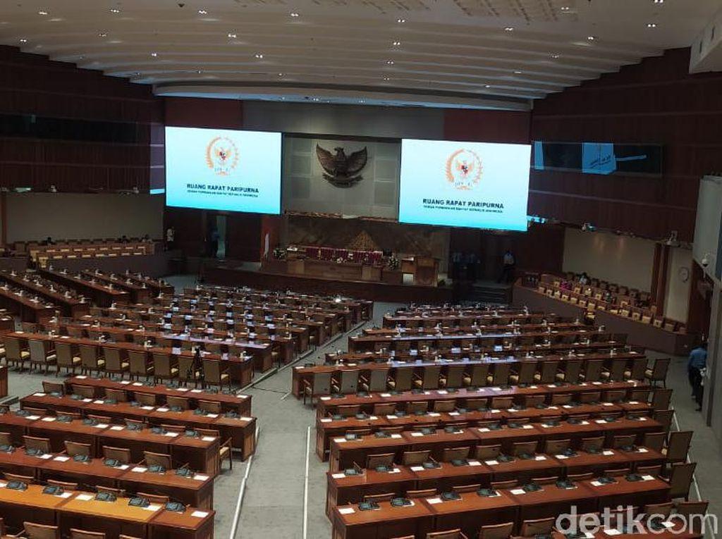 Omnibus Law Ketok Palu, Netizen Terbagi Dua