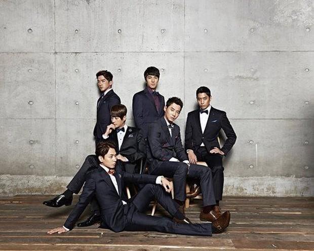 Akibat Andy terlibat perjudian, MBC melaranngnya untuk tampil tapi dicabut setahun kemudian.