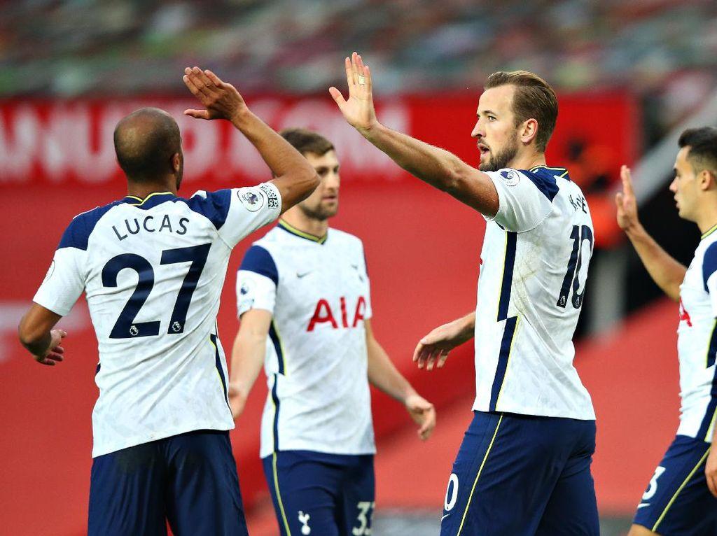 Penalti MU Tak Cukup untuk Goyahkan Tottenham