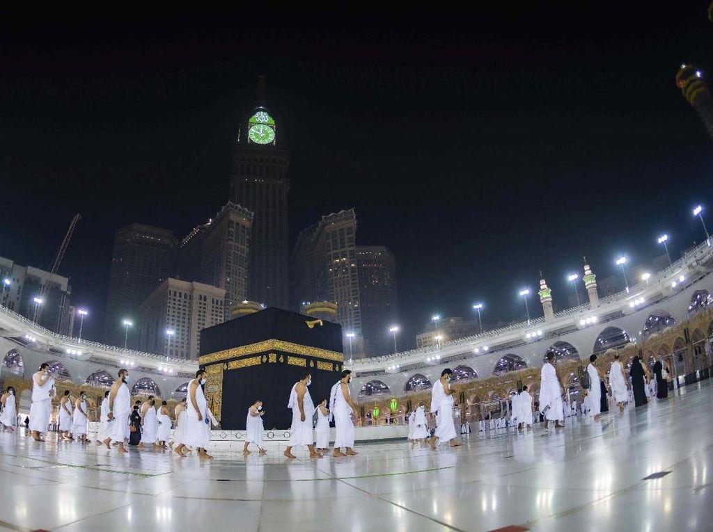 4 Perbedaan Haji dan Umroh Lengkap dengan Dalilnya