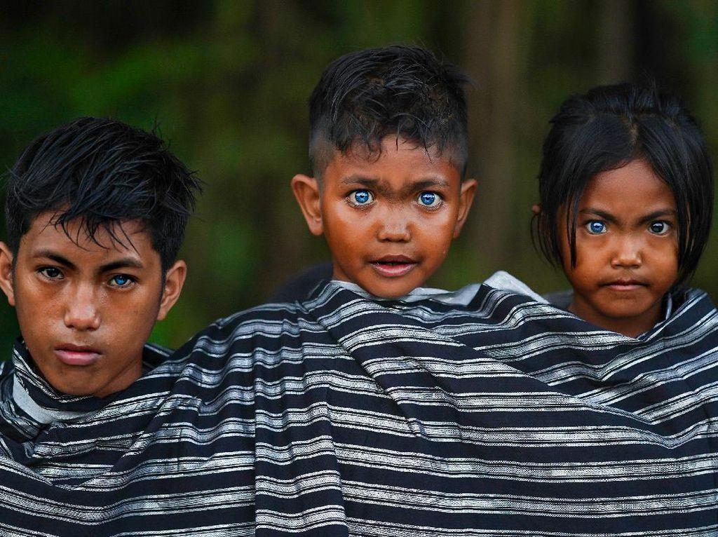 Tentang Foto Kilau Mata Biru Suku Buton dan Muna yang Viral Itu