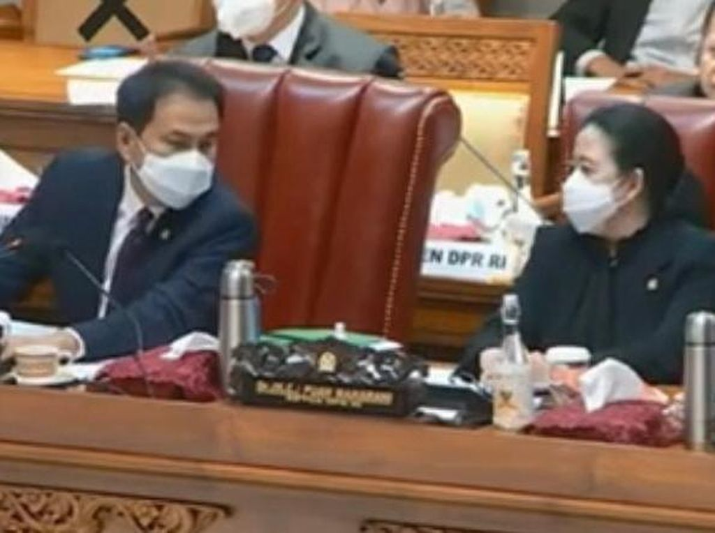 Pimpinan DPR Bersumpah Tak Ada Pasal Selundupan di UU Cipta Kerja