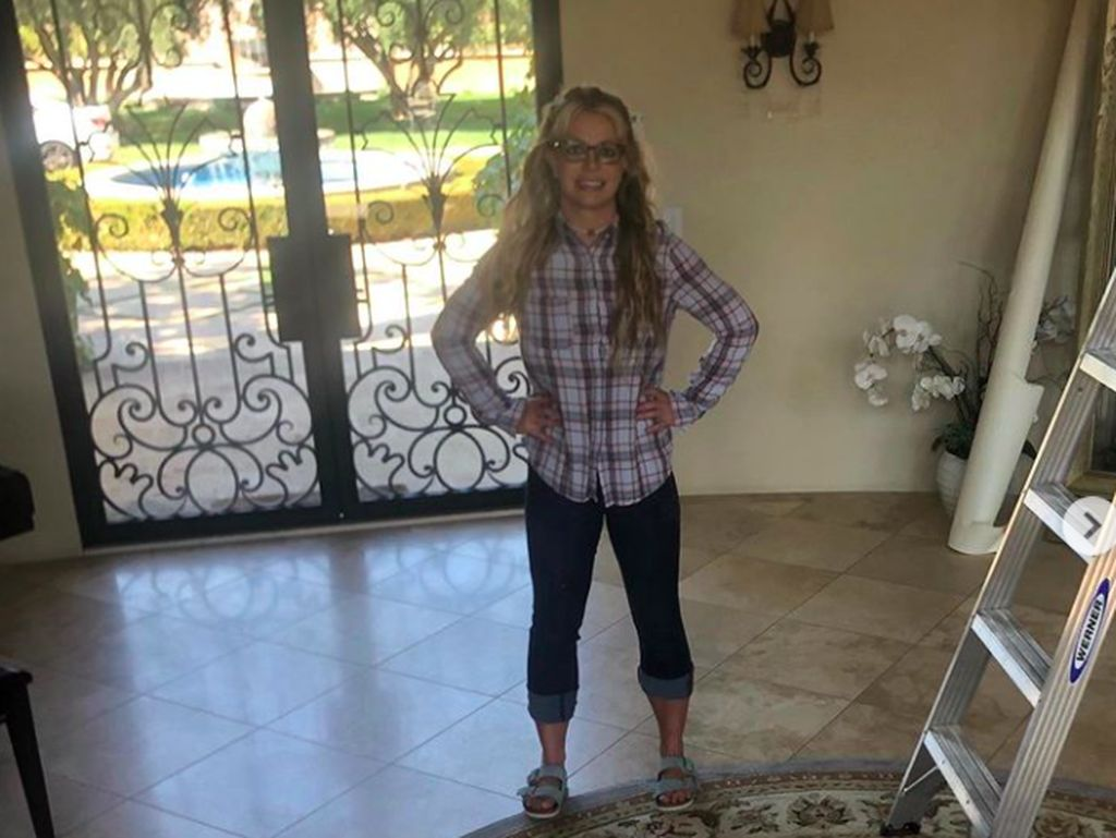 Heboh Britney Spears Tampil Polos di Instagram