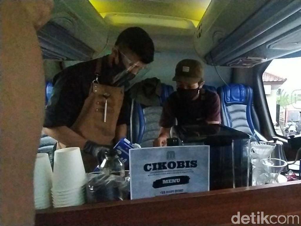 Ciamis Punya Kedai Kopi di Dalam Bis