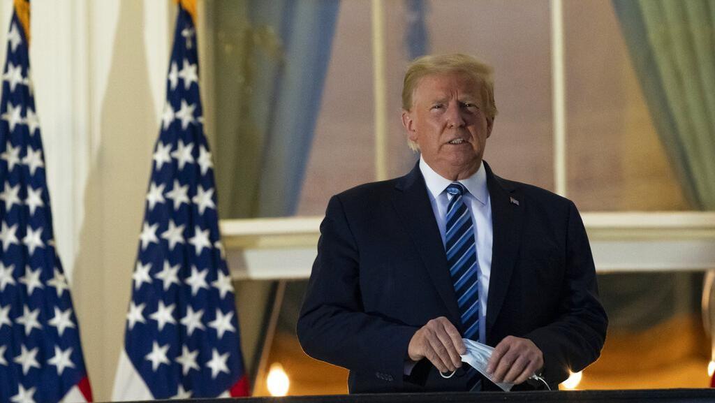Duh! Tiba di Gedung Putih, Trump Langsung Lepas Masker