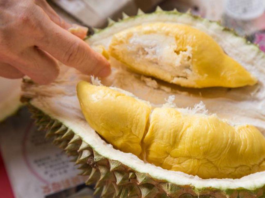 5 Manfaat Buah Durian dan Efek Sampingnya
