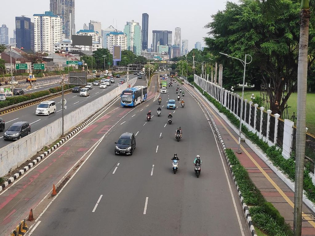 Tak Ada Massa Demo, Lalin di Sekitar DPR Sore Ini Lancar Jaya