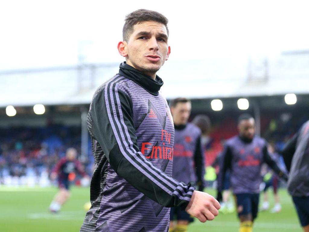 Lucas Torreira Resmi Dipinjamkan ke Atletico Madrid