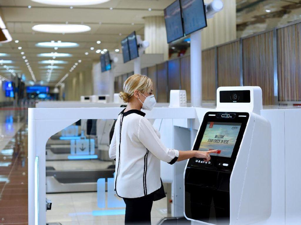Emirates Ganti Kios Check-In dengan Mesin