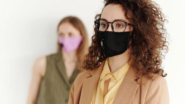 salah satu peluang usaha di rumah selama masa pandemi COVID-19 yaitu menjual masker kain