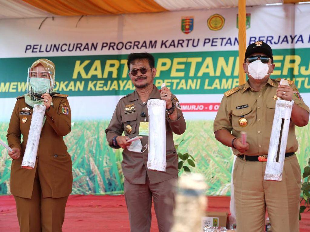 Diluncurkan Mentan, Ini Manfaat Kartu Petani Berjaya di Lampung