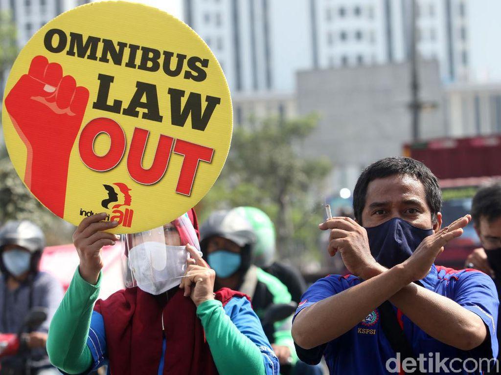 Sikap Senada Buruh dan Mahasiswa Buntut Pengesahan UU Cipta Kerja