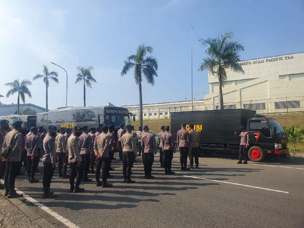 1.117 Personel TNI-Polri Amankan Aksi Buruh di Kawasan Ejip-Jababeka