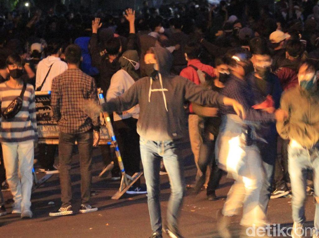 3 Hari Kericuhan di Bandung, 429 Demonstran Diringkus Polisi