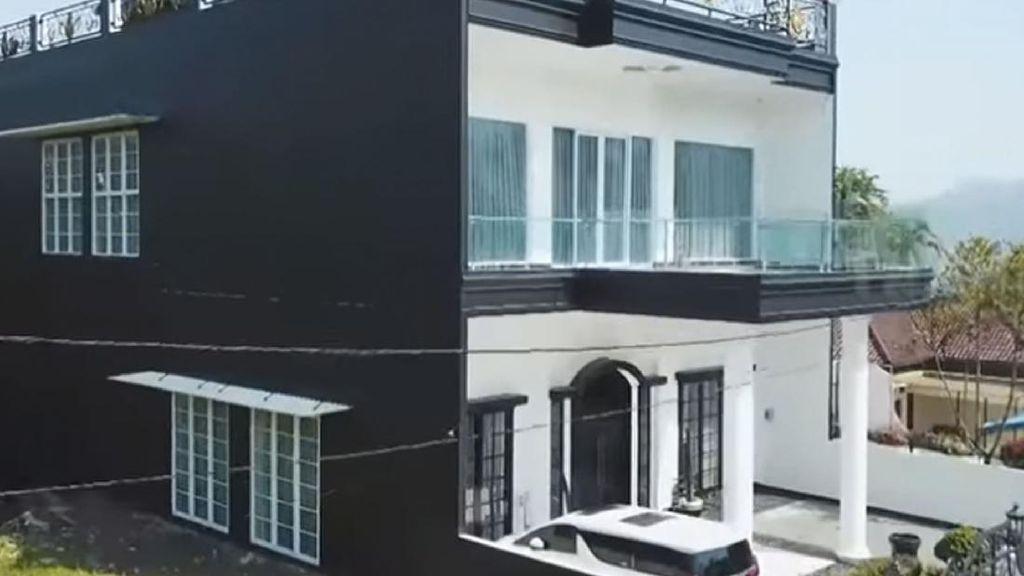 Foto: Rumah Bak Istana Kartika Putri yang Ditaksir Bernilai Rp 40 Miliar