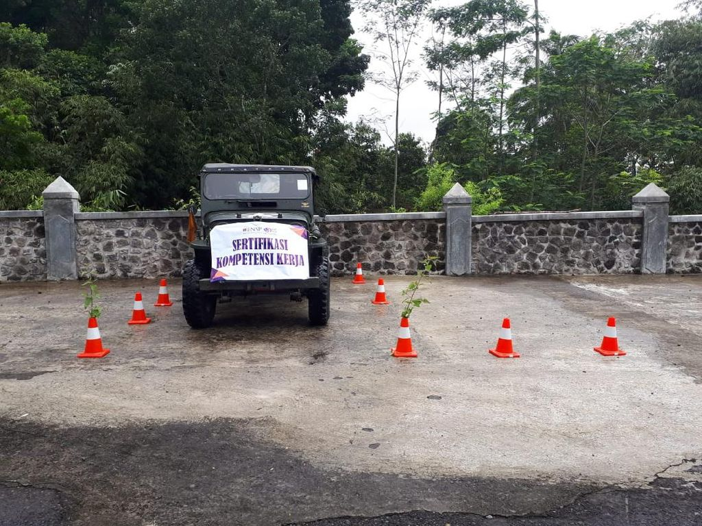 Sopir Jip Wisata di Gunung Merapi Bakal Tersertifikasi