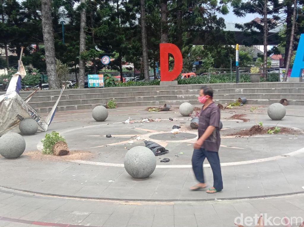 Taman Dirusak Demonstran Ricuh, Pemkot Bandung: Kerugian Rp 200 Juta