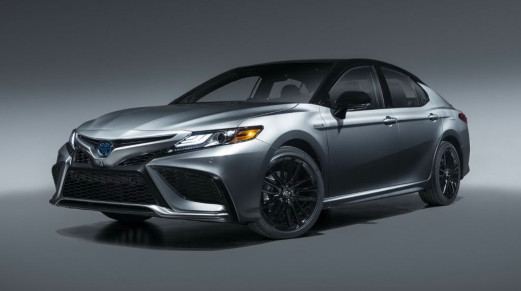 Toyota Camry Terbaru Makin Ganteng, Ini Tampangnya