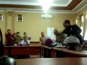 Anggota Ngamuk Pecahkan Gelas Saat Rapat, Ini Kata Ketua DPRD Konsel
