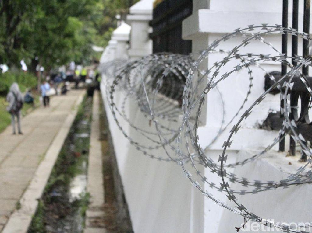 Pasca Demo Ricuh, Gedung DPRD Jabar Dipasangi Kawat Berduri