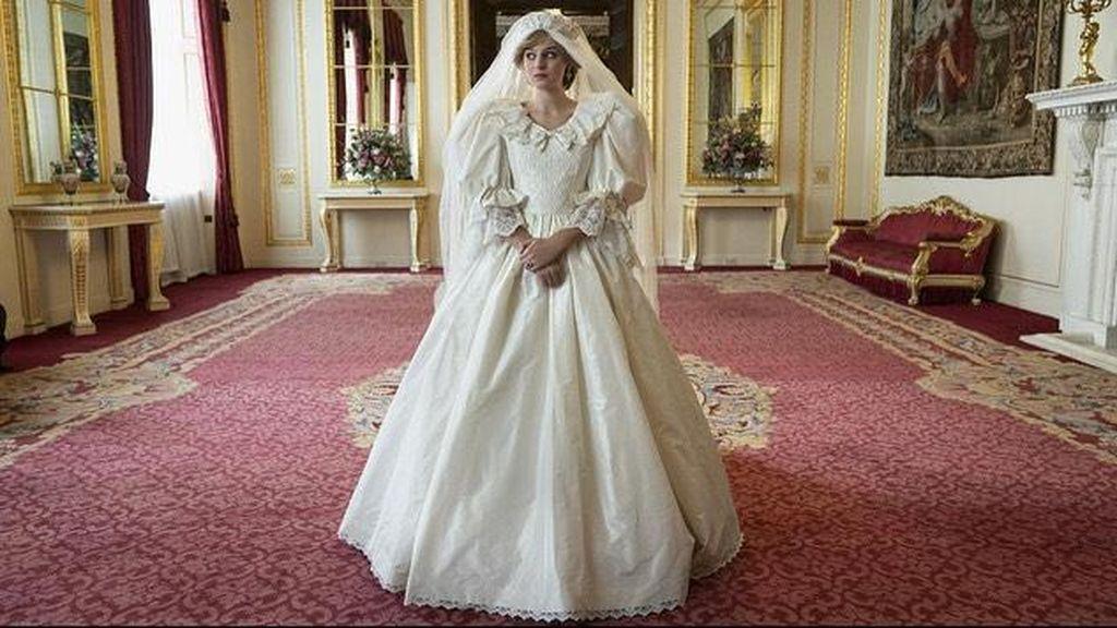 Ini Sosok Cantik Emma Corrin, Aktris yang Jadi Putri Diana di Serial The Crown