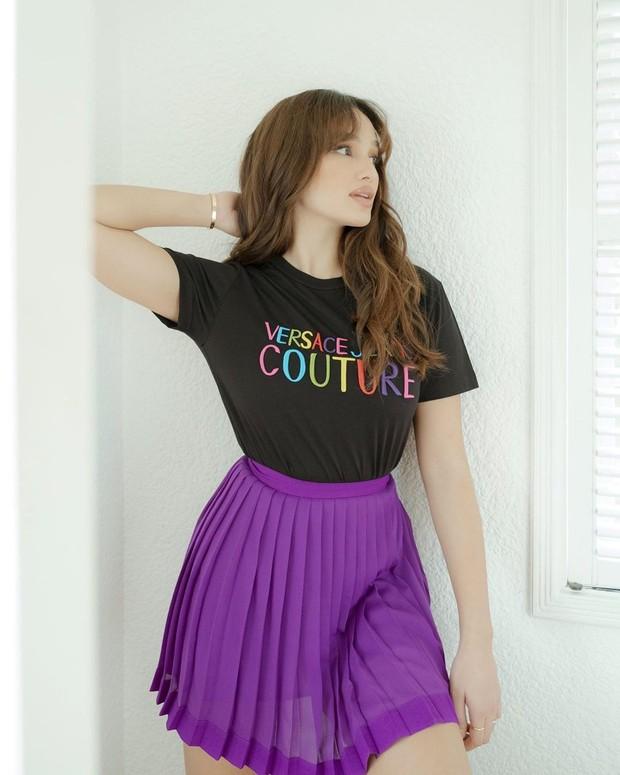 Tips fashion ala Sarah Lahbati.
