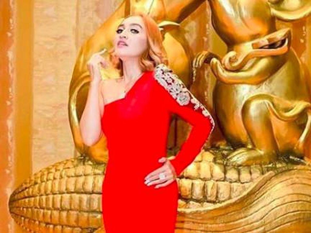 Indah Sari Tegaskan Foto Prewedding dengan Saipul Jamil Bukan Editan