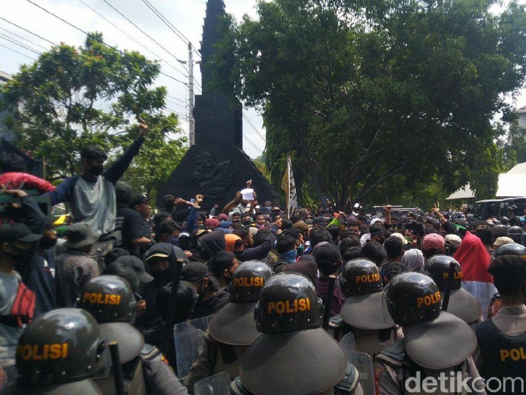 Ada Demo Omnibus Law di DPRD Jateng, Jalan Pahlawan Semarang Ditutup