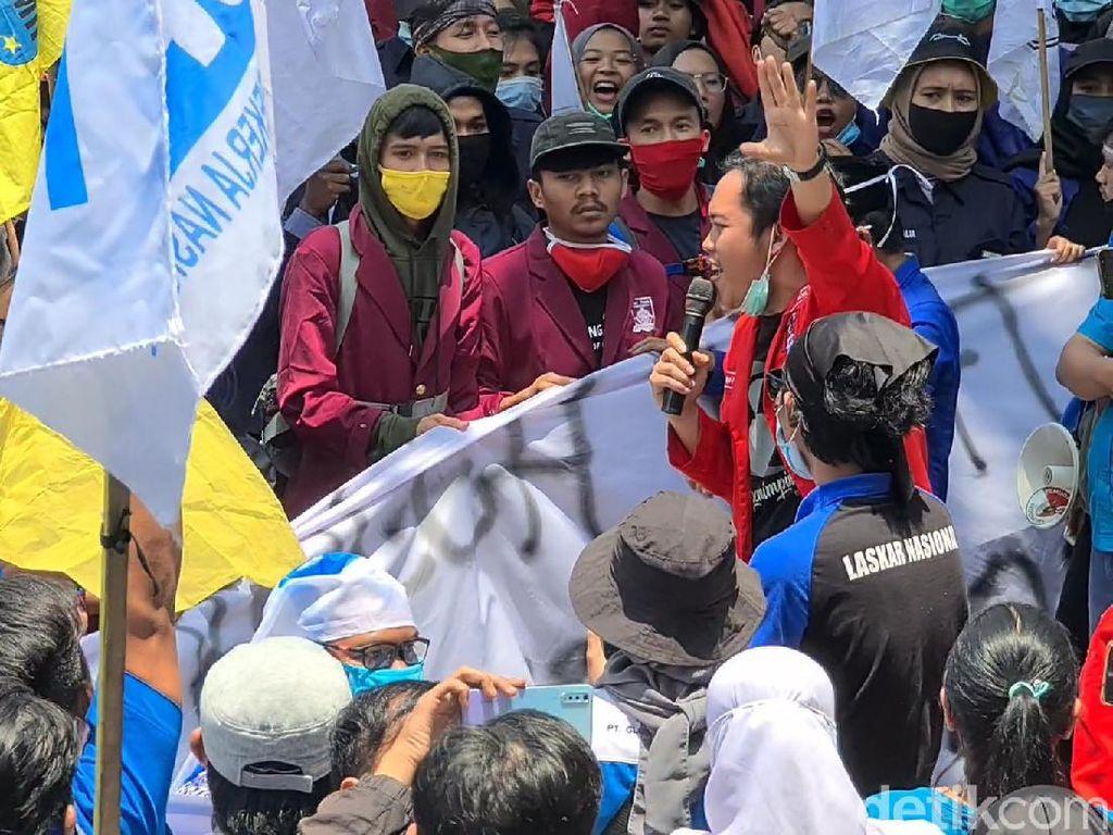 Petisi Online Gugat Omnibus Law Tembus 1,3 Juta Orang
