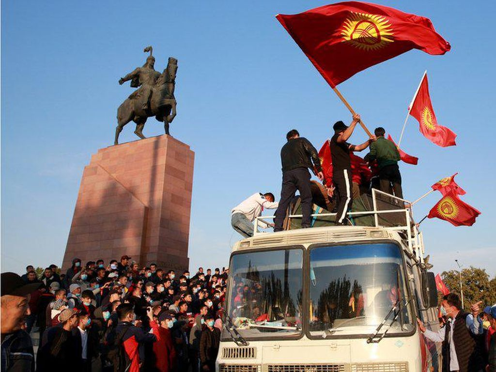 Oposisi Kirgistan Rebut Kekuasaan, Bagaimana Nasib Presiden?