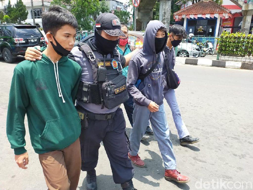 Pelajar Bogor Berjimat Diamankan Saat Hendak Ikut Aksi di Jakarta