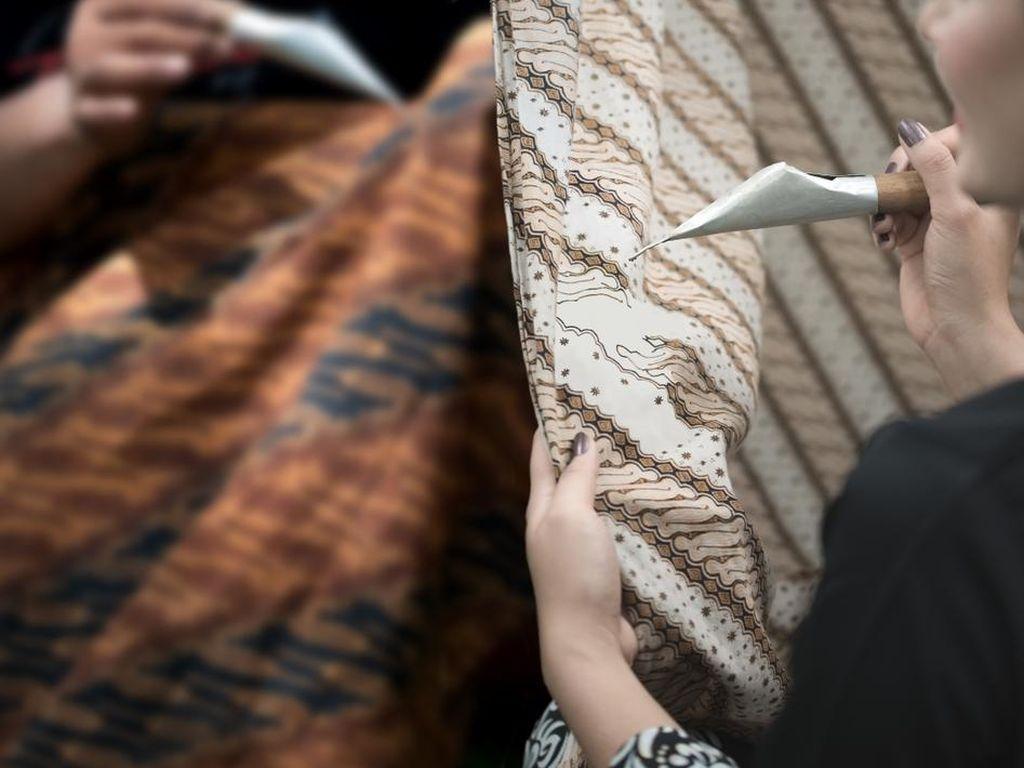 Cerita di Balik 7 Batik Khas Indonesia yang Sudah Melegenda