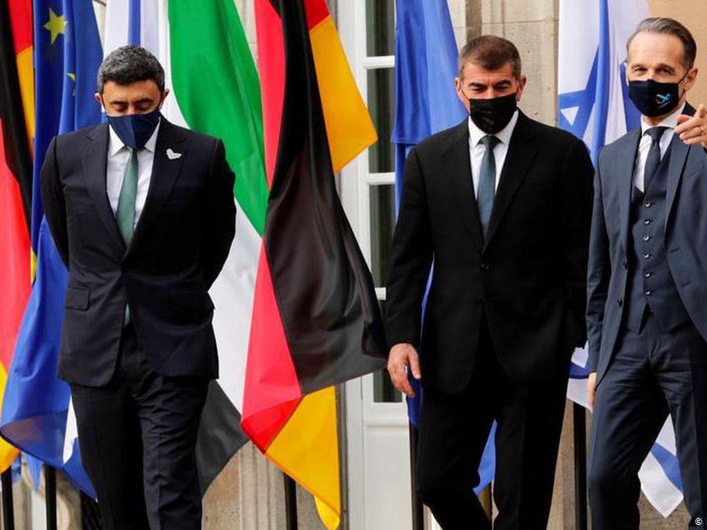Peluang dan Risiko Normalisasi Hubungan Indonesia-Israel