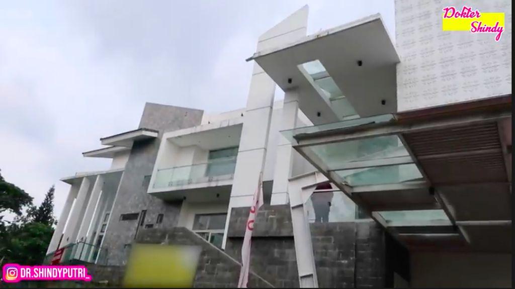 Mewahnya Rumah Incaran Ria Ricis, Ada Lift di Dalam