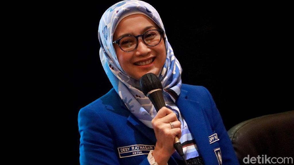 Senyum Desy Ratnasari Usai Jadi Ketua DPW PAN Jabar